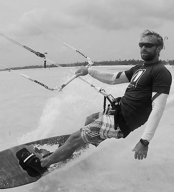 Lostelementos-kitesurfing-school-Pepe